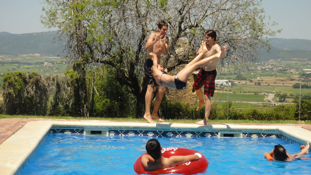Estones divertides a la piscina